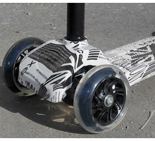 "Cамокат 21 st-Scooter Maxi с принтом ""LONDON"" колеса светятся"
