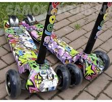 """Детский самокат 21st-Scooter Maxi с принтом """"Граффити"""" колеса светятся"""