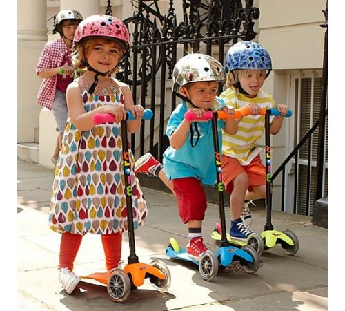 Детские трехколесные самокаты