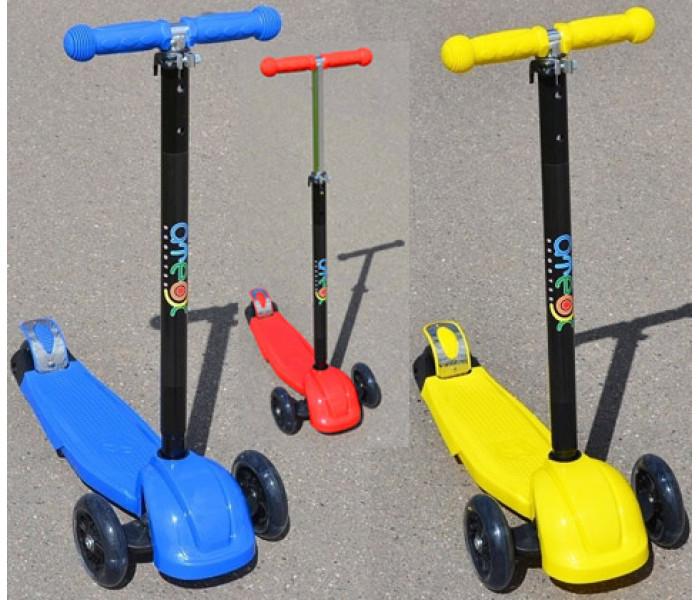 Детский 3-х колесный самокат Ateox Maxi Led