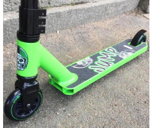 Ateox JUMP Green трюковой самокат для начинающих