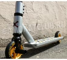 Explore STORM DELUXE (2021) трюковой самокат с пегами