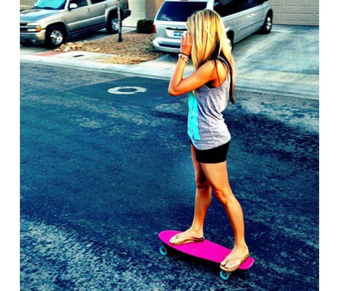 Скейт Фош 22 дюйма Розовый с голубыми колесами