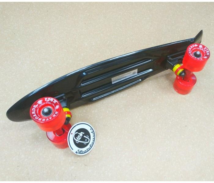 Скейт Fish Skateboards черного цвета 22 дюйма.