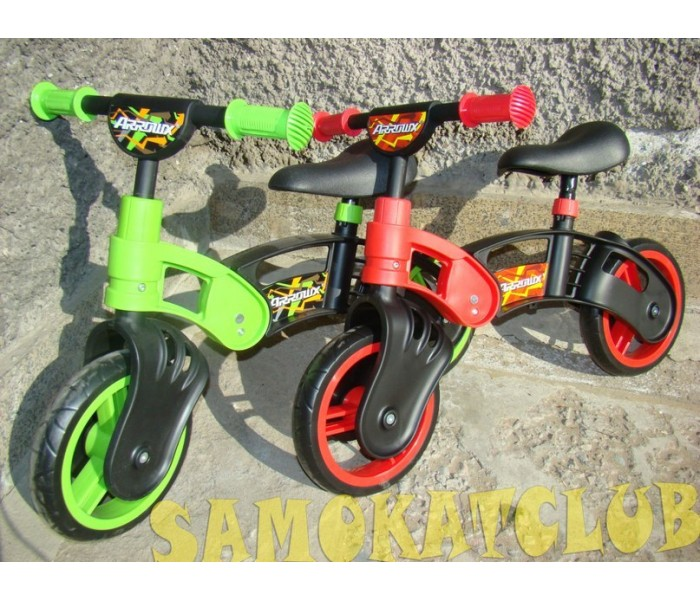 Беговел (велосипед без педалей) для детей от 2 лет