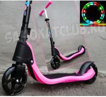 Scooter розовый самокат со светящимися колесами. Для девочек от 4 лет