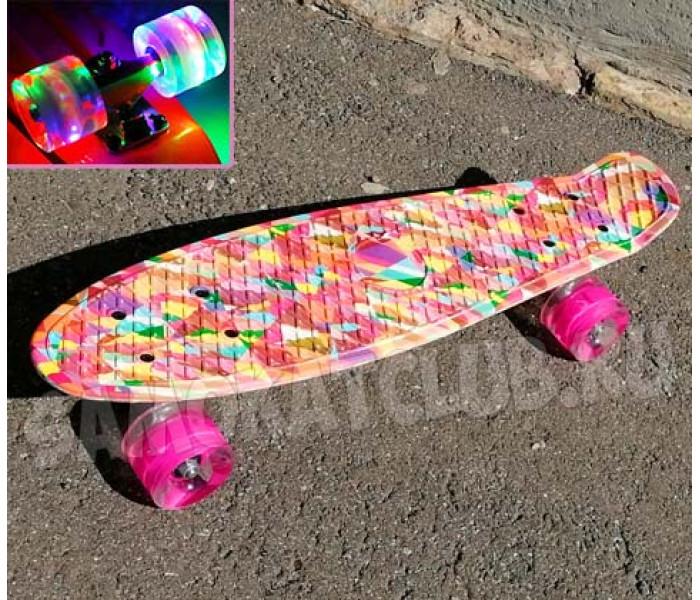 Мини-круизер Калейдоскоп 22 дюйма с розовыми колесами