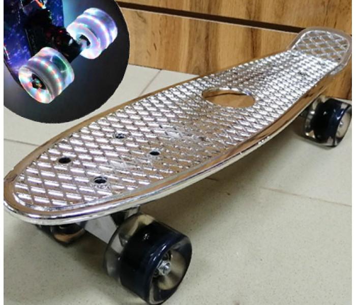 Мини-круизер Metallic Silver колеса светятся 22 дюйма (серебро)